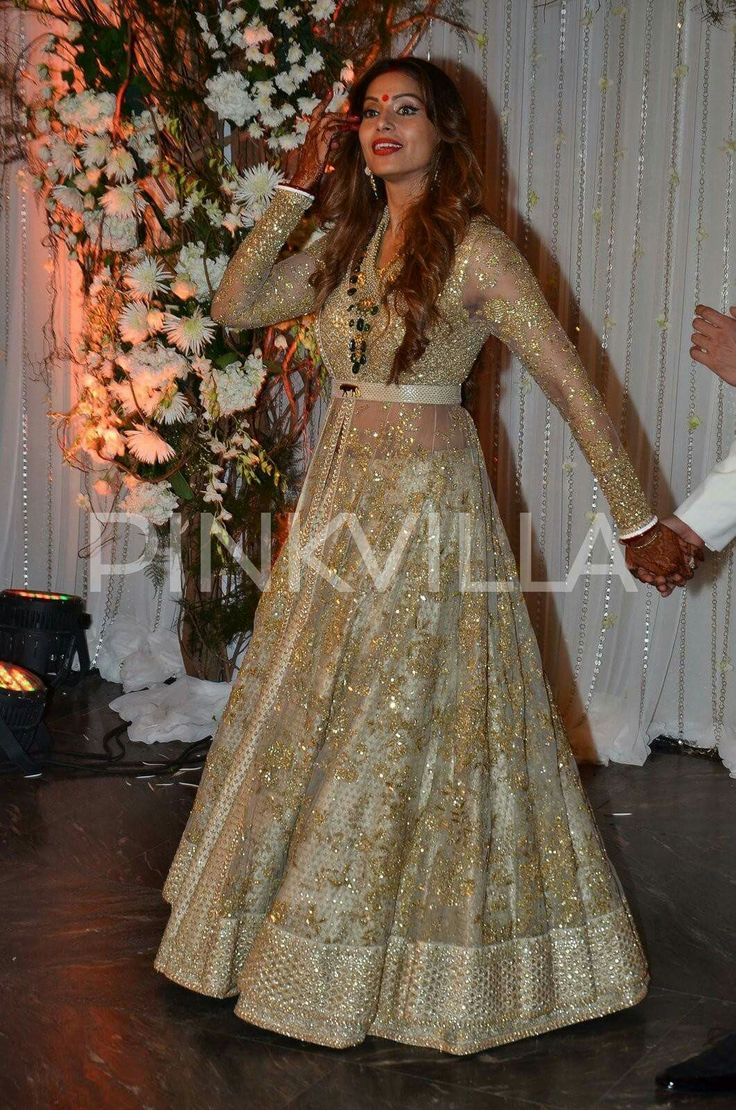 indian reception dress reception wedding dresses Bipasha Basu in Sabyasachi at her wedding reception