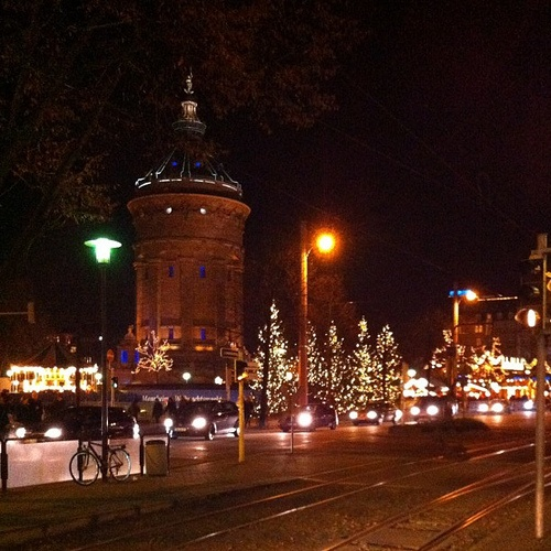 Weihnachtsmarkt in Mannheim.  Oh, how I'd love to wander around again and eye goodies while I warm my hands with a mug of cider!  Miss this!
