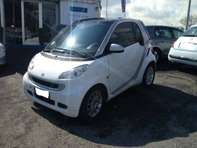 Smart Fortwo 1000 52 kW MHD coupé passion a 7.000 Euro