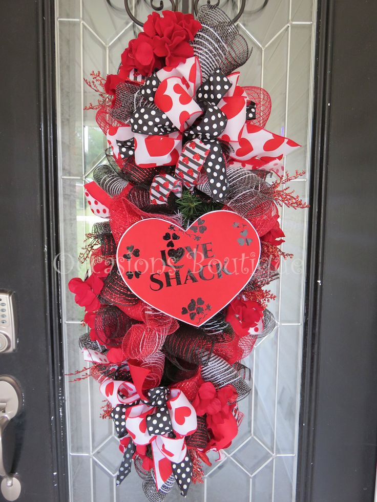 Valentine's Day Wreath, Door Swag, Wreath for Door, Front door wreath, Valentine's Day Decor, heart Wreath, Ready to Ship by OccasionsBoutique on Etsy