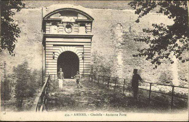 La citadelle porte d 39 abbeville amiens cartes postales vos photos d 39 amiens et d 39 amiens - Porte de saint cloud restaurant ...