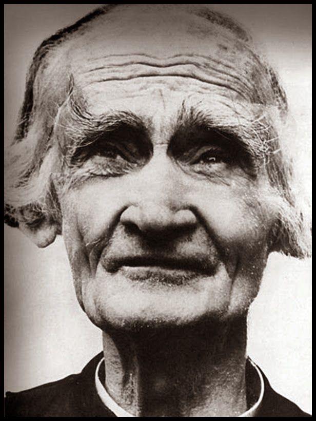 A face e o olhar de um santo... quantas lições tiramos de uma única imagem. São João Maria Vianney, padroeiro dos sacerdotes.