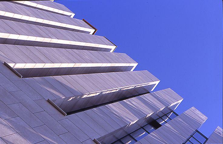 Soluzioni di facciata innovative per i due nuovi corpi del Teatro alla Scala, la torre e il corpo ellittico.