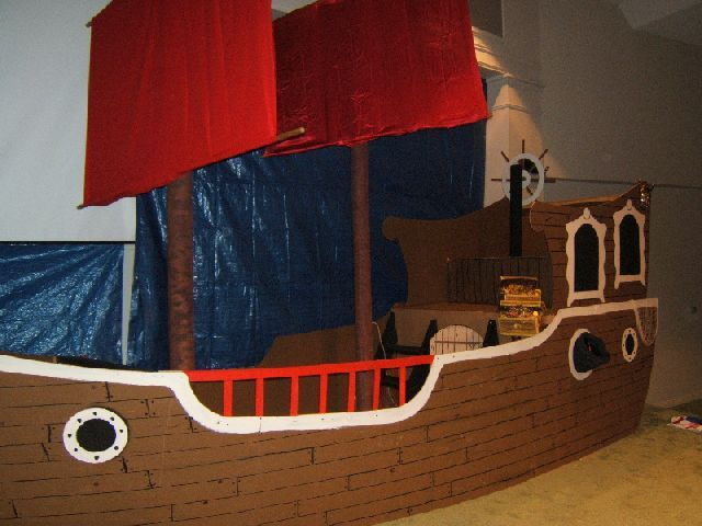 Kidology - Kidology Forums: building a pirate ship for a stage?