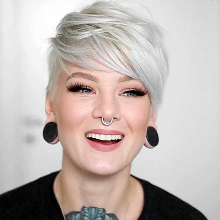 40 Latest Pictures Of Short Layered Haircuts - #haircuts #latest #layered #pictures #short - #frisuren