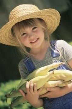 Country Living - country girl - straw hat, corn harvest