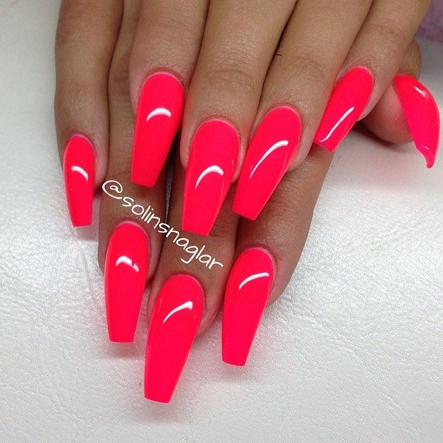 Neon coffin nails