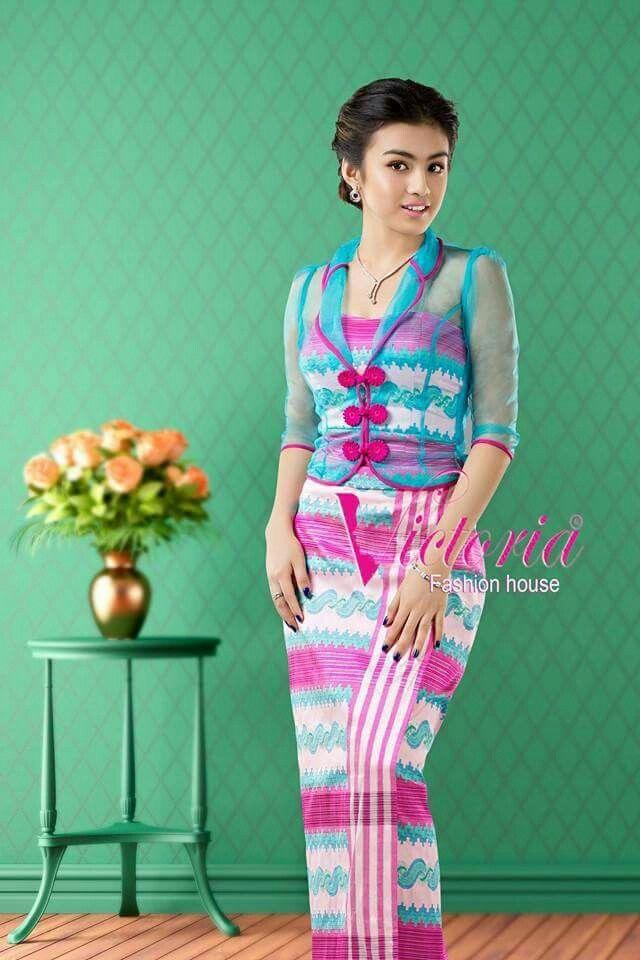 Myanmar dress Model-Yunwady lwin moe Dress designer- Omg kham