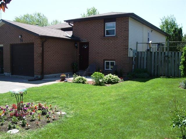 CLARINGTON (ON) This beautiful home  is located in a great neighbourhood. A comfortable 3 bedroom property with laminated flooring and walkout deck from kitchen. Going for $249,900.00. http://www.century21.ca/Property/100873266