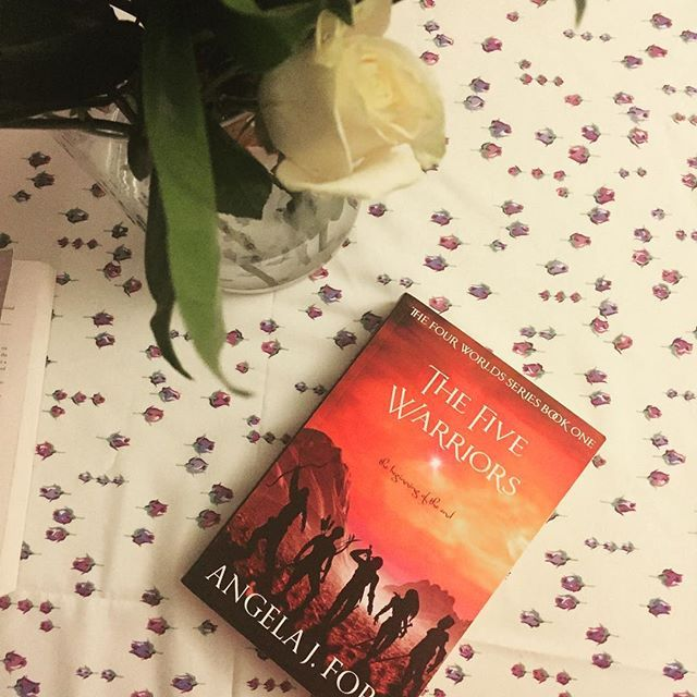 Oh I've got that #fridayfeeling when I wake up and know it's going to be an epic day. Today I'm having coffee with some wonderful people, working inn for business and promoting my Book Launch course. I also got an ARC of an amazing fantasy novel I can't