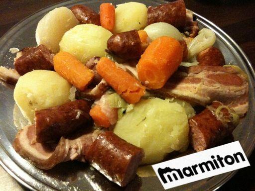 Potée aux saucisses de Montbéliard - Recette de cuisine Marmiton : une recette