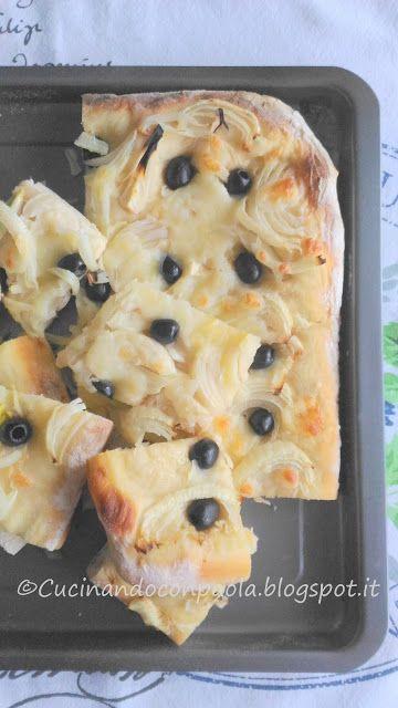 Focaccia con PREPARATO PER PANE GRANO DURO E MAIS, con cipolle e olive!