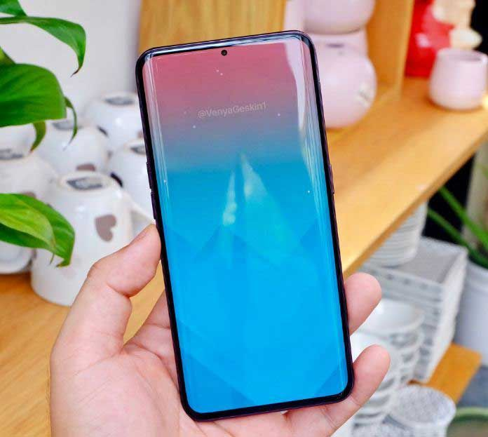 Samsung Galaxy S10 Could Feature Infinity O Display Triple Rear Camera Side Mounted Fingerprint In 2020 Samsung Galaxy Wallpaper Samsung Galaxy Samsung