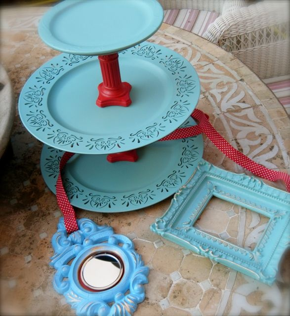 cake stand, aqua and red.