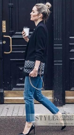 Джинсы-скинни, серый пиджак, клатч, черные туфли
