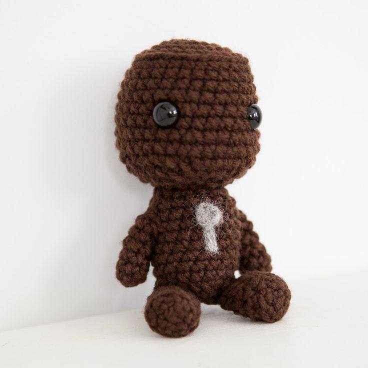 Amigurumi Crochet Sackboy, from Little Big Planet  thebhivecreations.com
