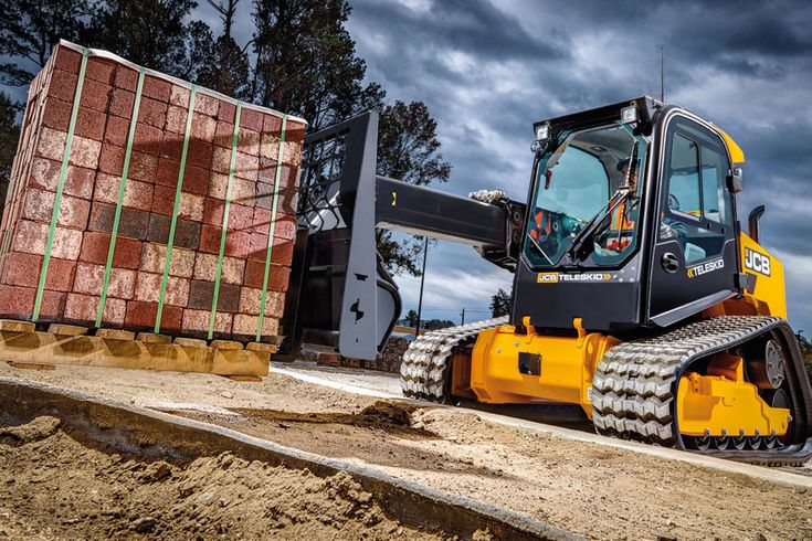 The new JCB Teleskid is the first skid steer with a single
