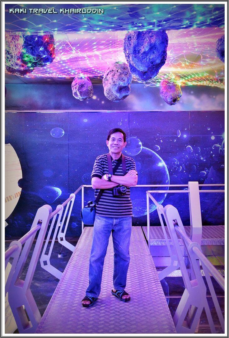 Kaki Travel: From Malaysia to the World with Khairuddin: i-City Shah Alam 5 : Space Mission  Ada urusan di Shah Alam/Klang/USJ Subang Jaya i.e ADTEC, CIAST, WISMA GM, UITM, UNISEL, MSU, POLITEKNIK Shah Alam atau sebagainya. Tempahlah homestay kami yang berdekatan dengan harga murah & berpatutan (RM180/semalam) dan boleh layari INTERNET @ UNIFI percuma. Layari blog kami untuk info terkini di http://onlinebookinghomestay.blogspot.com