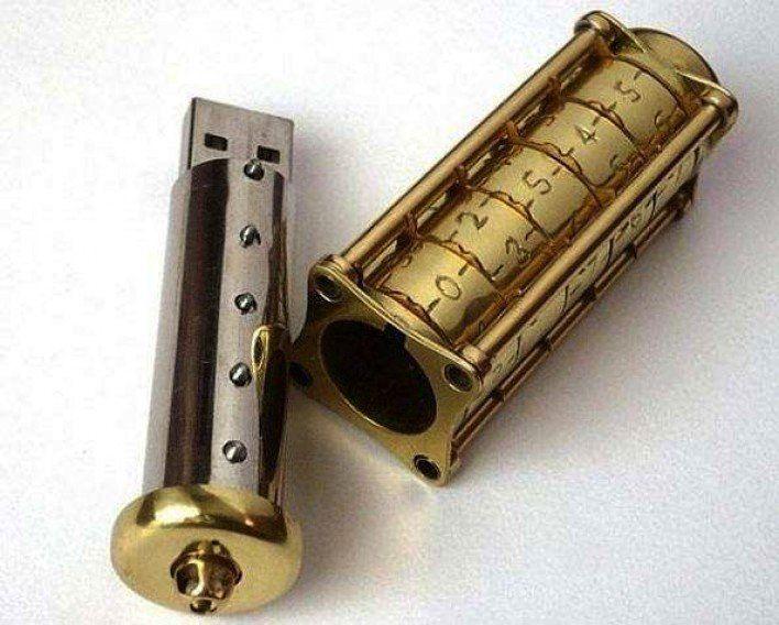 Gambar Foto Flash Disk dengan sistem mekanik password kriptografi manual