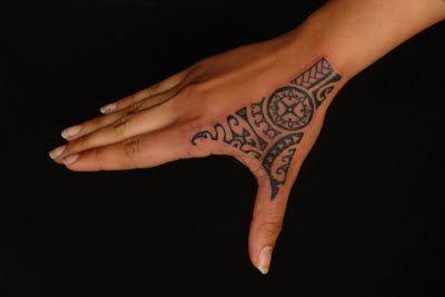 SHANE TATTOOS: Rotuman/Polynesian Hand Tattoo On Laura #marquesantattoosleeve #samoantattooshand