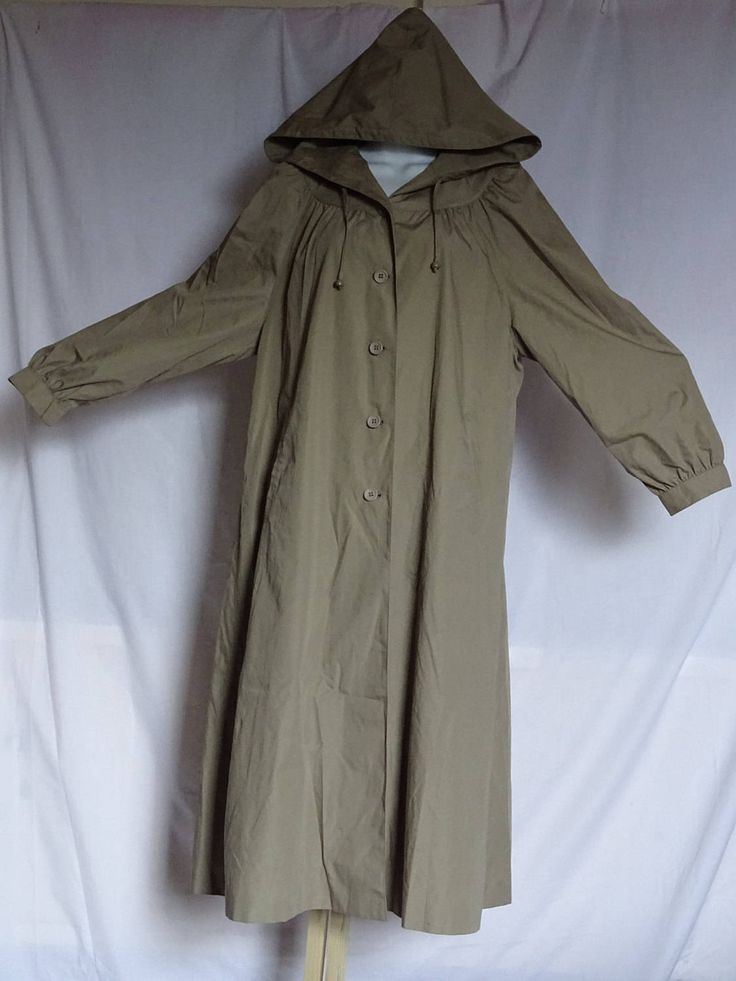 Lovely vintage classic ladies raincoat / mac / trench coat with hood in Olive-brown by Back2Theyesteryear on Etsy