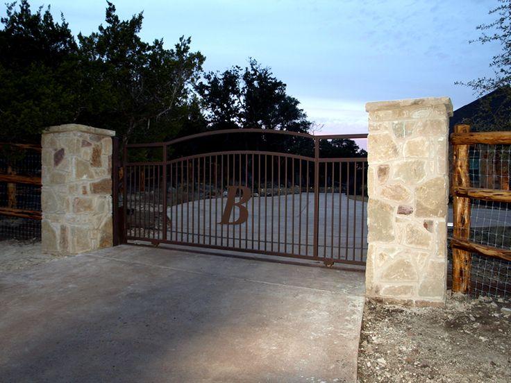 Gates & Entrances Texas | Ranch Style Gates | Hill Country Village