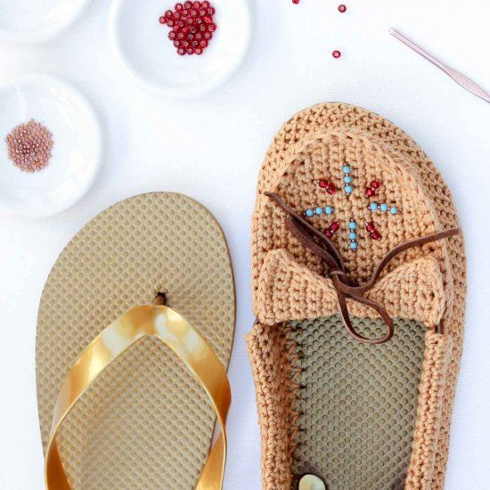 Learn how to turn cheap flip flops into crochet shoes with this free moccasin pattern and video tutorial!