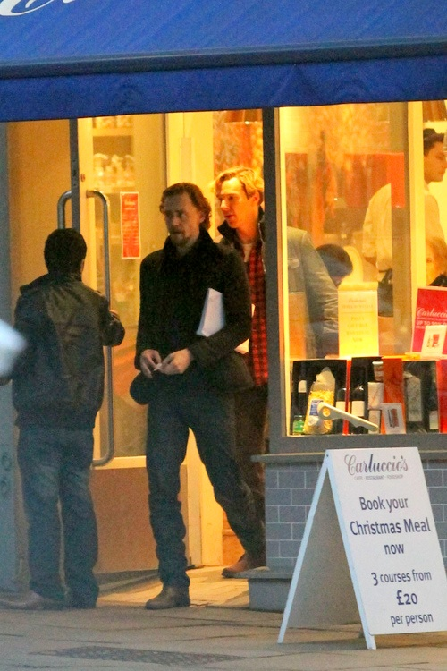 Tom Hiddleston and Benedict Cumberbatch on a man-date. And in other news, I have that scarf Benny is wearing. I will go die now.