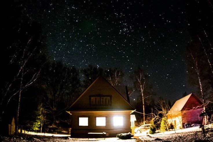 On instagram by _annamew_  #astrophotography #metsuke (o)  http://ift.tt/1P65LCN  Первая ночь нового года... Наконец-то я добралась до астрофотографии  #ночь #астрофотография  #звездноенебо #дальняядача #устиново #stars #звезды #доммилыйдом #nature