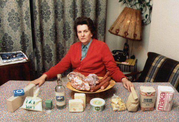 komplet towarów żywnościowych sprzedawanych na kartki w latach 80.