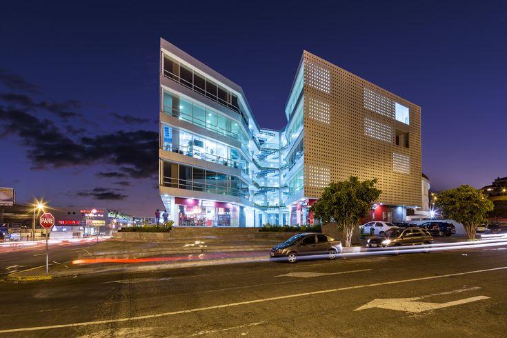 Galería de Edificio Halcón / TEC - Taller EC - 4