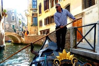 mytripadvice: Venice Find a gondolier AWAY from the grand canal for some beautiful backwater sights.