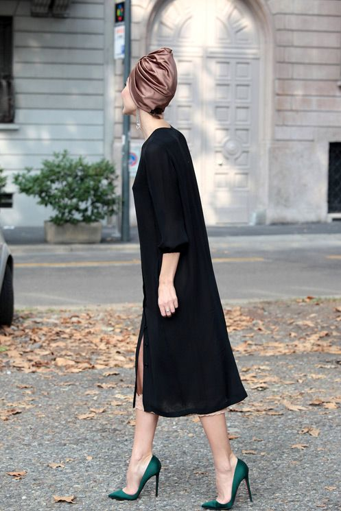Ulyana Sergeenko in simple shapes with a lively silhouette.
