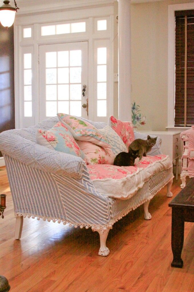 1000+ Ideas About Shabby Chic Couch On Pinterest