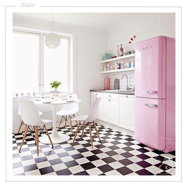 Solo un frigorifero @smeg50style  riesce a portarci indietro nel tempo...oggi siamo negli anni '50! <3   Just a Smeg's fridge manages to bring us back in time...today we are in the 50s! <3 #dearkitchen #cucine #cucina #kitchenstyle #homebeautiful #arredamento #arredo #homedecorating #loveinterior #home #consigli #interiordesign #arredamentointerni #arredamentocasa #ispirazioni #inspiration #arredocasa #inspirationdesign #architecturelovers #interiordesign #getinspired #kitcheninspiration…