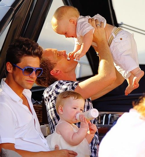 Neil Patrick Harris and David Burka with their two children <3