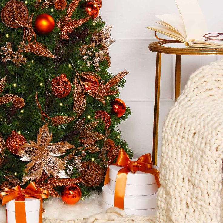The worlds simplest pre-lit and pre-decorated Christmas Tree.  One knows that the holidays are here and the feeling of enchantment is everywhere. In the presence of the beauty of the Enchanted Forest tree, nothing is impossible!