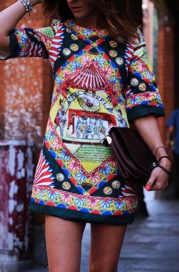 Rochie scurta multicolora imprimeu tribal
