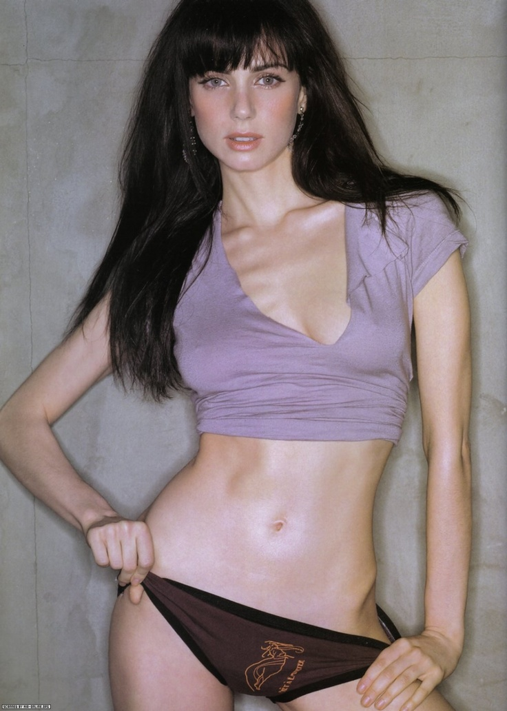mia kirshner so hot