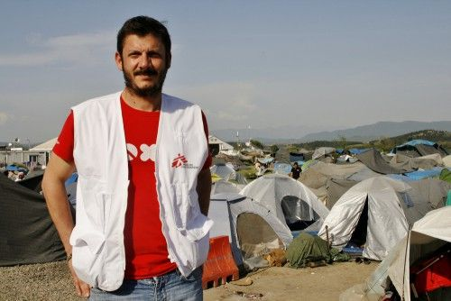 Ο Αχιλλέας Τζέμος, συντονιστής της ομάδας των Γιατρών Χωρίς Σύνορα στη Λέσβο. Φωτο: MSF