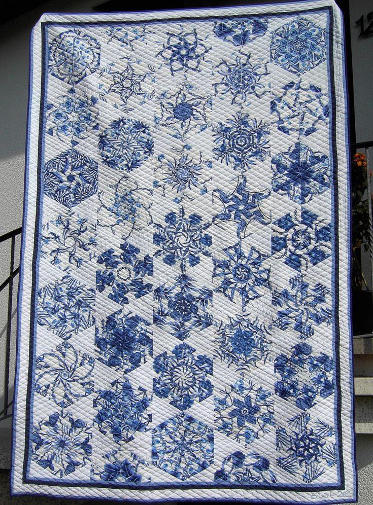 Delft Plates - Delfter Kuchenteller (kaleidoscope quilt) by Edeltraud Ewert