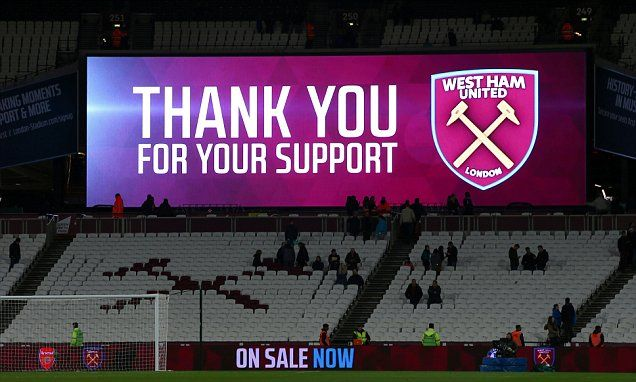 Andy Carroll hits out at West Ham fans for leaving early