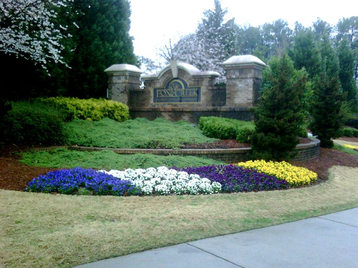 Pansies And Colorful Landscapes Colorful Flower Beds 400 x 300