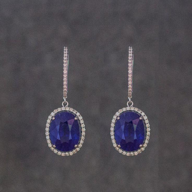 Sapphire earrings 1899 €