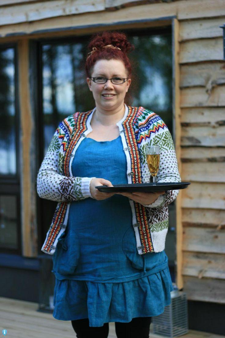 Een warm welkom door de hostess bij Metsäkyly