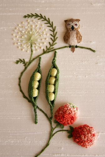 <3 this stumpwork! #embroidery-- I find stumpwork so incredibly amazing!