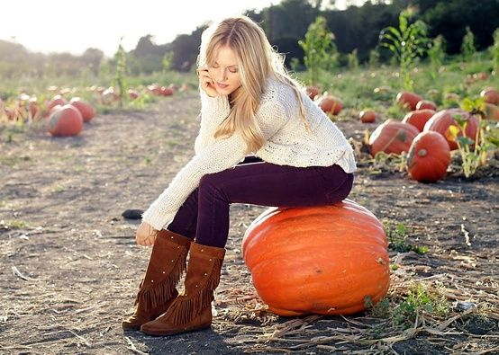 pumpkin patch photo idea - Anyone have a pumpkin patch?