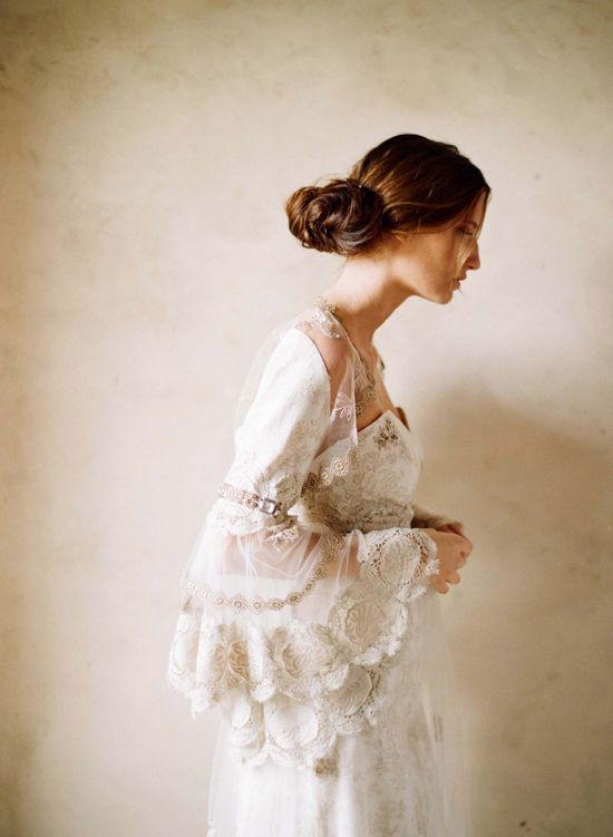 Gorgeous wide sleeves
