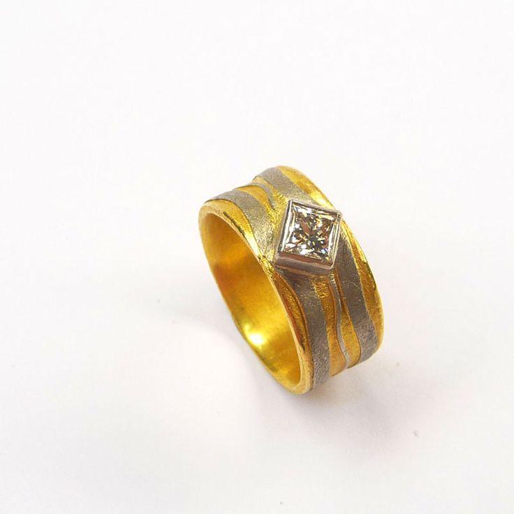Ring Gelbgold / Platin Diamant carré
