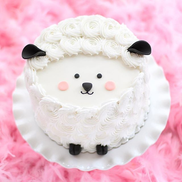 Sweet Sheep Cake #thecakeblog | Use Instagram online! Websta is the Best Instagram Web Viewer!